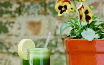 This Green Juice Targets the Root Cause of Your Insomnia