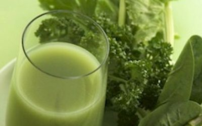 Get Rid Of Dark Circles Under The Eyes With A Green Apple, Cucumber Juice