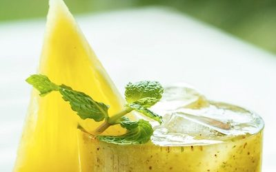 Refreshing Summer Pineapple-Cilantro Juice Recipe With Health Benefits