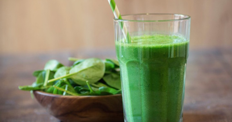 spinach helps reduce unhealthy food cravings