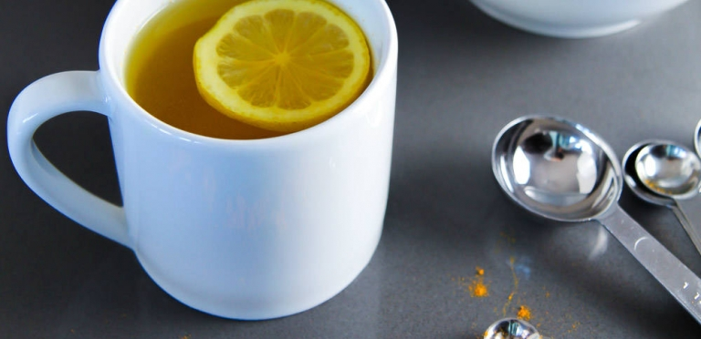 Hot-Water-Lemon-and-Turmeric-768x372