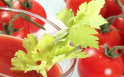 Fight Cancer And Premature Aging With This Spicy Tomato Juice Recipe