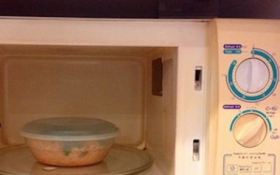 Why You Must Never Use Plasticwares In The Microwave Oven For Heating