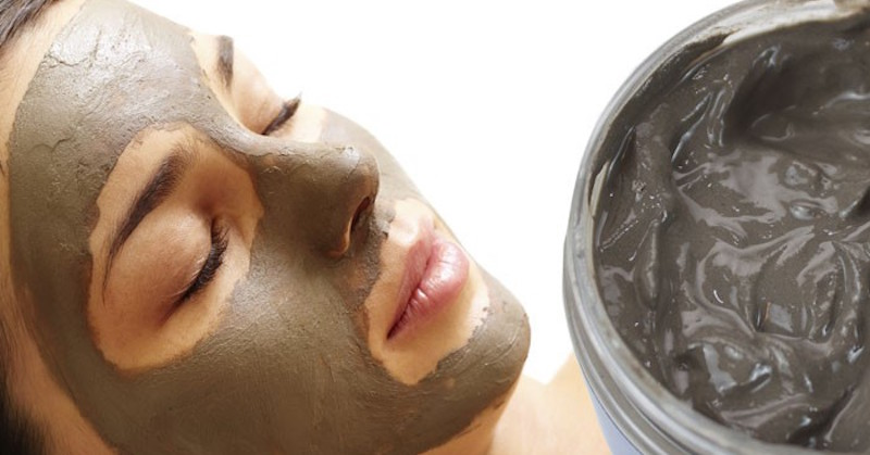 dead sea mud mask on face