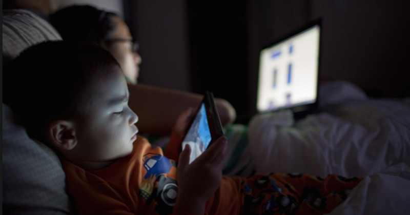 screen time in the dark
