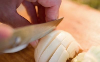 Kitchen Hacks: How To Cut Onions Without Tearing