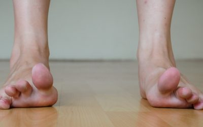 Get Rid Of Foot Pain In Minutes With These 5 Effective Feet/Toes Stretches