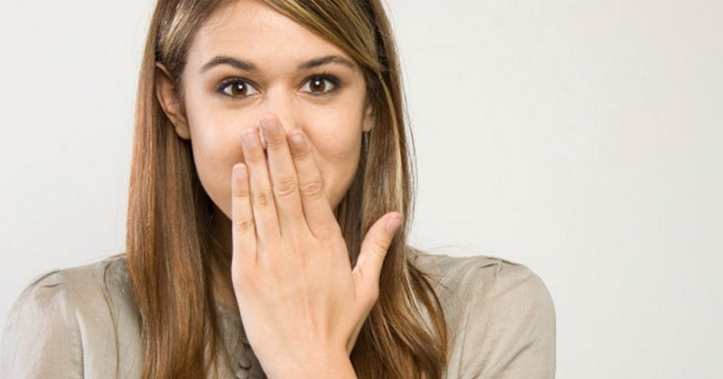 Acupressure points to stop hiccups
