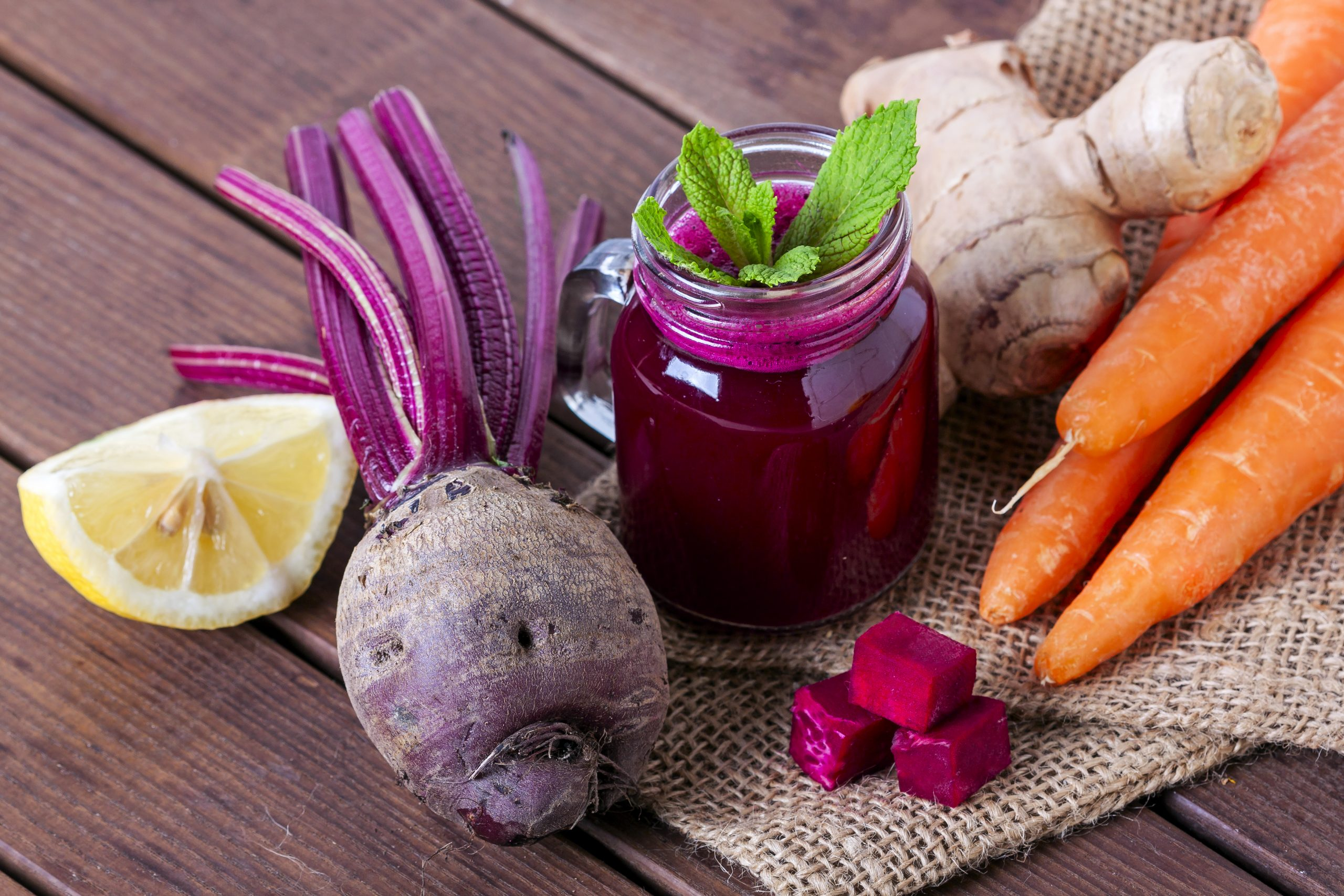 Carrot apple beet ginger immunity boosting juice